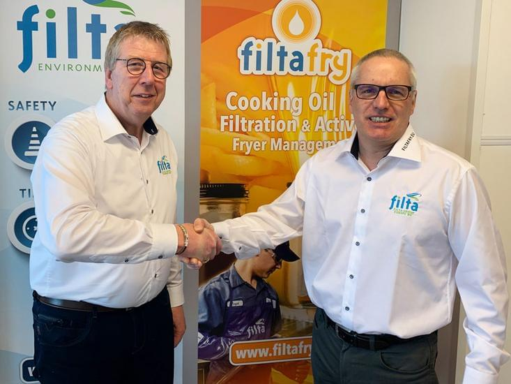 FiltaFry Managing Director Jos van Aalst (left) welcomes new partner for Austria East, Michael Mohl (right)